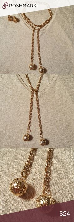 """Vintage Sarah Coventry gold Lariat necklace Vintage Sarah Coventry signed LARIAT necklaces. Gorgeous Necklace with two large faux pearls laced in little flower garlands. Chain measures approximately 42"""" long and can be worn a number of ways. This necklace is from the 70's and is still brilliantly shiny with no tarnishing or fading or gold. Stunning, classic piece! Check out my other listings as I have a gorgeous pearl ring by EMMONS that goes perfectly with this piece! EUC BUNDLE & SAVE…"""