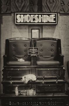 Old Fashioned shoe shine #photography #vintage
