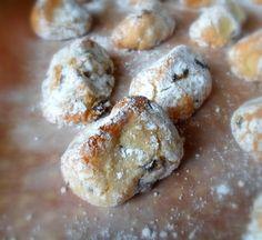 The English Kitchen: Sour Cherry Amaretti.little Italian cookies (italian cake amaretti cookies) Italian Cookie Recipes, Italian Cookies, Italian Desserts, Italian Foods, Italian Pastries, Italian Cake, Cookie Desserts, Cupcake Cookies, Just Desserts