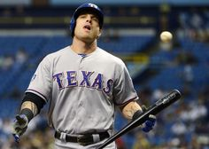 Slugger Josh Hamilton back in Texas lineup after injection to lubricate sore left knee - The Washington Post
