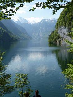 Lake Konigsee - Berchtesgaden, Germany- been here. wanna go back so bad Wonderful Places, Beautiful Places, Beautiful Pictures, Places To Travel, Places To See, Places Around The World, Around The Worlds, Beau Site, Bavaria Germany