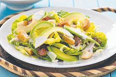 Avocado and chicken caesar salad Add avocado and chicken to this traditional salad favourite for a quick and easy dinner idea. Avocado Recipes, Meat Recipes, Salad Recipes, Chicken Recipes, Dinner Recipes, Healthy Recipes, Bbq Chicken, Ceasar Salad, Chicken Caesar Salad