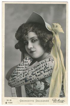 postcard Antique Photos, Vintage Photographs, Vintage Photos, Shabby Chic Frames, Art Background, Mail Art, Photomontage, Vintage Beauty, Vintage Postcards
