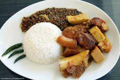 Rôti de porc au palmiste, riz et lentilles