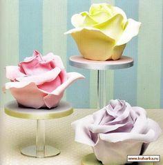 Mini cakes roses individuelles / Individual rose mini cakes
