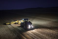 New Holland Agriculture SIMA 2015 - T9 Tier4B Farmers Only, New Holland Ford, New Holland Agriculture, Ford Tractors, Ford News, Country Life, Fiat, Farming, Fields