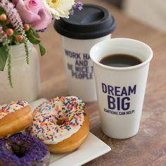 Quiero este vaso térmico para el café...y los donuts también :) Dream big!