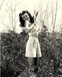 Rita Hayworth 1940s | Repinned by Temple Towels, www.templetowels.com