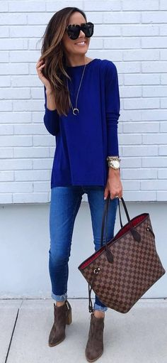 fashionable outfit idea : top + bag + boots + skinnies