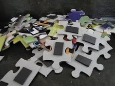 Put magnets on the backs of puzzle pieces. Do puzzles on metal cookie sheets in the car! Or on fridge!Put magnets on the backs of puzzle pieces. Do puzzles on metal cookie sheets in the car! Or on fridge! Classroom Behavior, School Classroom, Classroom Ideas, Future Classroom, Classroom Prizes, Classroom Incentives, Disney Classroom, Behavior Management, Classroom Management