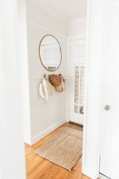 Simple and Stylish Tips and Tricks: Frameless Wall Mirror Small Bathrooms oval wall mirror interior design.Wall Mirror With Lights huge wall mirror chandeliers. Wall Mirrors Entryway, Rustic Wall Mirrors, Living Room Mirrors, Round Wall Mirror, Entryway Decor, Mirror Bedroom, Mirror Set, Mirror Ideas, Mirror House