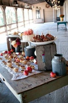 wedding cakes and pies buffet 275x414 Rustic Fall Wedding Ideas