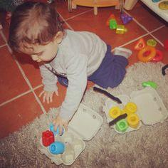 Caixas de ovos (que não comemos) Home Appliances, Egg Cartons, Activities For Babies, House Appliances, Appliances