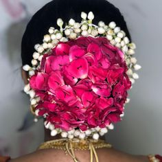 Image may contain: flower Bridal Hairstyle Indian Wedding, Bridal Hair Buns, Bengali Wedding, Bridal Hairdo, Indian Bridal Hairstyles, Hairdo Wedding, Wedding Hairstyles For Long Hair, Elegant Hairstyles, Party Hairstyles