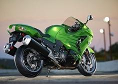 Kawasaki ninja zx-14r, fastest accelerating production motorcycle of 2012