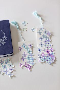 Mother's Day Watercolor Bookmark Creative Bookmarks, Cute Bookmarks, Bookmark Craft, Bookmark Ideas, Diy Crafts Hacks, Diy Arts And Crafts, Lotus Flower Art, Instruções Origami, Watercolor Bookmarks