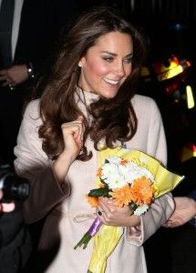 Bosses of the exclusive London hospital treating Catherine, Duchess Of Cambridge, have issued an apology after they were duped into giving away the pregnant royal's private medical information.