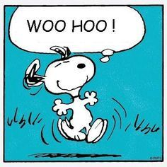 Snoopy ~ always happy for food! Snoopy Friday, Hello Friday, Happy Friday, Snoopy Images, Snoopy Pictures, Funny Pictures, Snoopy Comics, Peanuts Cartoon, Peanuts Snoopy