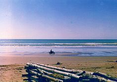 https://flic.kr/p/2VmDdG | NEW BRIGHTON BEACH  NZ 1976  copy_edited-1 | New brighton beach 1976    copy THIS NEW BRIGHTON BEACH . ORI NEXT TO FADED SO I BOUGHT THIS COPY BACK TO LIFE .