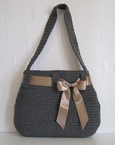 CROCHET PATTERN for a nice crochet purse with loops.