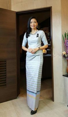 Traditional Dresses, Silk Dress, Dresses For Work, Asian, Women's Fashion, Beauty, Clothes, Beleza, Kleding