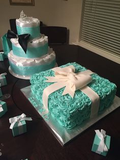 How to Make Baby Diaper Cake {Tiffany & Co.} inspired baby shower cake and diaper cake Tiffany Blue Party, Tiffany Birthday Party, Tiffany Theme, Birthday Parties, Cake Birthday, Breakfast At Tiffanys, Breakfast Cake, Baby Shower Cakes, Baby Shower Themes