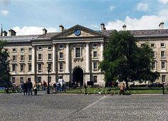 Trinity College of Dublin     Notre Dame:  Programa en una de las escuelas privadas de mayor prestigio de Dublín, Irlanda.  También se pueden hacer clases profesionales de fútbol, tenis, equitación, golf o rugby a tu programa.    #WeLoveBS #inglés #idiomas #Irlanda #Ireland #Dublin #DunDrum