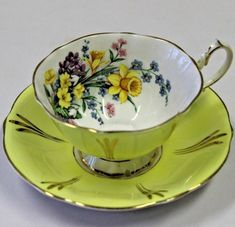 Queen Anne English Tea Cup and Saucer Set England Bone China Yellow Daffodil Bouquet pattern design. Queen Anne English Tea Cup and Saucer Set England Bone China Yellow Daffodil Bouquet pattern design. Tea Cup Set, Cup And Saucer Set, Tea Cup Saucer, Floating Tea Cup, English Tea Cups, Antique Tea Cups, Vintage Teacups, China Tea Sets, Teapots And Cups