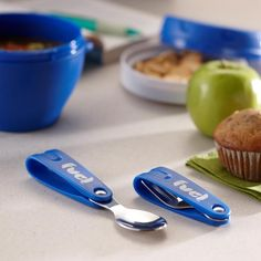 Need cutlery on the go? The Fuel Primary Foldable Cutlery is a great way to eat your lunch at work, school or on a picnic! Fuel Primary Foldable Cutlery Set/2 Asstd. | Kitchen Stuff Plus