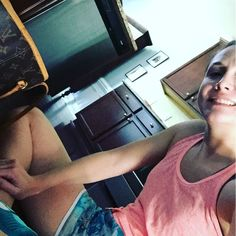 I don't lie when I say you can work this business from anywhere. I am sitting on the kitchen floor getting ready to head to the gym and still working my butt off. Now if I can figure out how to still work while working out for an hour I will be golden! #theunexpectedhousewife #gymday #wellness #blogger #wah #blessedlife #financialfreedom #dailygrind #lovemyjob #mrs #dowhatyoulove #lovewhatyoudo #housewifelife #shoppingqueen #clt #carolinas #healthylife #septembertoremember #fall…