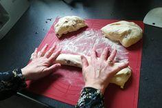 Zöpfe formen Plastic Cutting Board, Blog, Easter