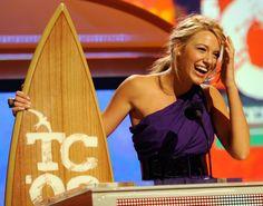 Pin for Later: 38 Momente in denen wir gerne Blake Lively gewesen wären Als sie sämtliche Awards abräumte