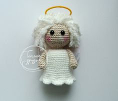18 kostenlose Amigurumi Christmas Angel Patterns - New Ideas Christmas Angel Ornaments, Crochet Christmas Decorations, Crochet Decoration, Crochet Christmas Ornaments, Christmas Crochet Patterns, Amigurumi Free, Crochet Amigurumi, Crochet Bunny, Amigurumi Doll