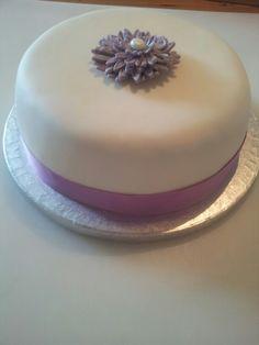 Bijpassende taart voor bij de bruidstaart