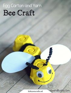6 Buzzing Bee Crafts For Kids Craft idea for children: tinker upcycling bees fr. - 6 Buzzing Bee Crafts For Kids Craft idea for children: tinker upcycling bees from egg carton and c - Bee Crafts For Kids, Toddler Crafts, Crafts To Do, Preschool Crafts, Projects For Kids, Diy For Kids, Craft Projects, Arts And Crafts, Craft Ideas