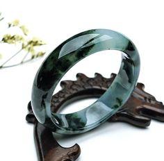 Jade Stone Jewellery, Jade Jewelry, Jewelry Rings, Jewelery, Bangle Bracelets, Bangles, Hand Accessories, Jade Ring, Ancient Jewelry