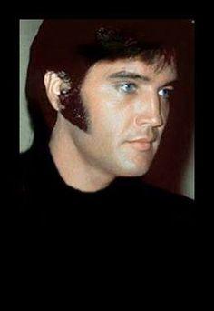 Elvis Presley! One of my favorite photos!