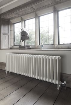 School style cast iron radiator reclaimed and refurbished by Ribble Radiators. Painted in Buttermilk Retro Home Decor, Diy Home Decor, Victorian Radiators, Traditional Radiators, Column Radiators, Modern Radiators, Contemporary Radiators, Cast Iron Radiators, 1930s House