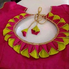 New Saree Blouse Designs, Patch Work Blouse Designs, Kids Blouse Designs, Simple Blouse Designs, Stylish Blouse Design, Hand Designs, Embroidery Neck Designs, Neckline Designs, Sleeves Designs For Dresses