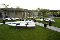 ... Modern seating arrangement for outdoor ceremony ...