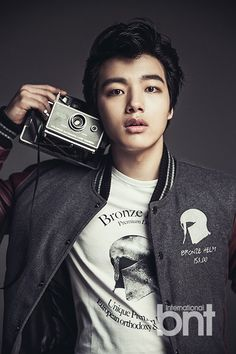 Yeo Jin Goo - The Moon That Embraces The Sun (Young Prince). Such a handosme & talented kid!