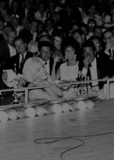 Marilyn Monroe, Elizabeth Taylor and Dean Martin in Las Vegas, 1961