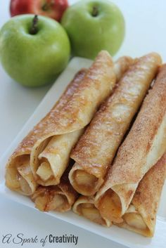 Looking for an easy Apple Dessert? These Caramel Apple Taquitos are amazing and so easy to make. Made with tortillas, caramel sauce, Apple Pie Filling, Cinnamon and Nutmeg. So easy to make and perfect for dessert - A Spark of Creativity Unique Desserts, Delicious Desserts, Yummy Food, Creative Desserts, Desserts Sains, Gula, Snacks Für Party, Fall Recipes, Simple Apple Recipes