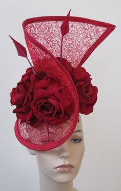 Cynthia Bryson Millinery --- ooooh, love this. very avant-garde-queen-of-hearts. id wear this to an Unbirthday. I must agree, this is a great hat shape. Idda Van Munster, Red Hat Society, Crazy Hats, Kentucky Derby Hats, Church Hats, Fancy Hats, Love Hat, Turbans, Red Hats