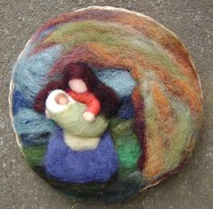 beautiful mother and child Nativity Crafts, Christmas Nativity, Felt Christmas, Christmas Crafts, Waldorf Montessori, Felt Gifts, Coloring Book Art, Fibre And Fabric, Waldorf Dolls