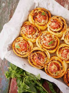 35 Best Ideas For Pasta Casserole Recipes Pizza Pizza Recipes, Gourmet Recipes, Vegetarian Recipes, Cooking Recipes, Pasta Casserole, Casserole Recipes, Seafood Pizza, Craving Carbs, Small Pasta
