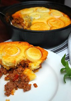 slap degie -- a topping to bake atop a stew or curry South African Dishes, South African Recipes, Kos, Mince Recipes, Baking Recipes, Pastry Recipes, Ma Baker, Mince Dishes, Light Recipes