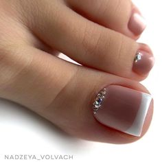 When it comes to the Best Nail Art, we try our best to cultivate it! Today we have 26 Brand New Nail Art Images for you to Admire! Pretty Toe Nails, Cute Toe Nails, My Nails, Gel Toe Nails, Feet Nail Design, Toe Nail Designs, Pedicure Nail Art, Manicure And Pedicure, Black Pedicure