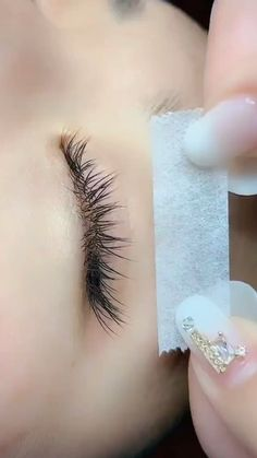 Under Eye Lash Extension Application – Microblading Eyelash Extensions Salons, Eyelash Salon, Eyelash Lift, Eyelash Curler, Perfect Eyelashes, Natural Fake Eyelashes, Perfect Eyebrows, Hair Salon Interior, Makeup Ideas