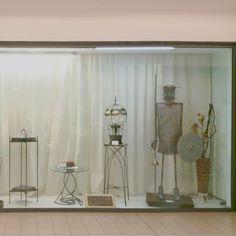 In una mostra espositiva abbiamo presentato i nostri capolavori,tra cui anche il Don Chisciotte realizzato sempre dall'artista Steelwood in ferro battuto.  In esposizione il piedistallo ed altri articoli in vendita su Etsy. Grazie per la visita.  Bruna.